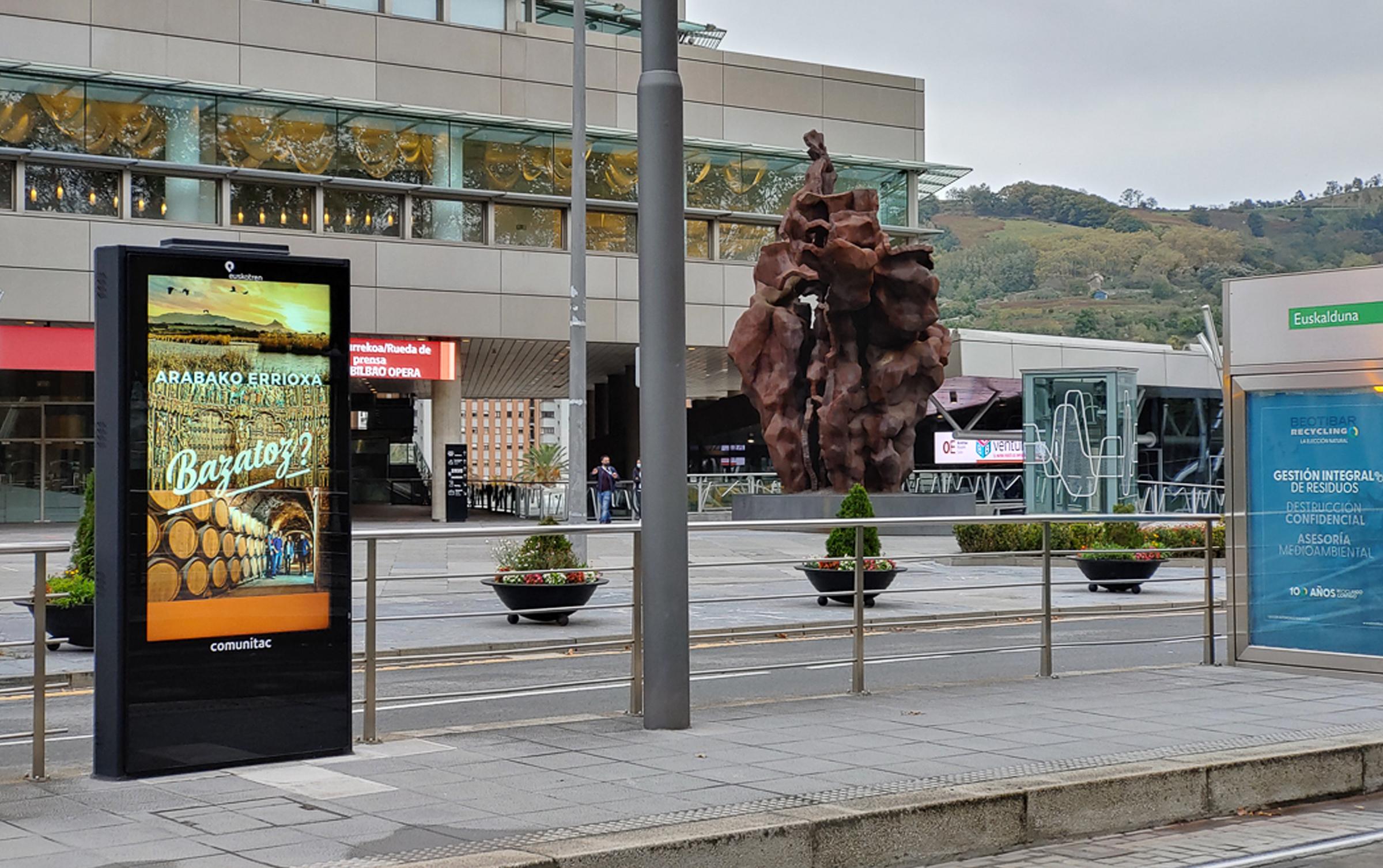 Cuadrilla de Rioja Alavesa – Campaña de promoción turística – Tranvía Bilbao