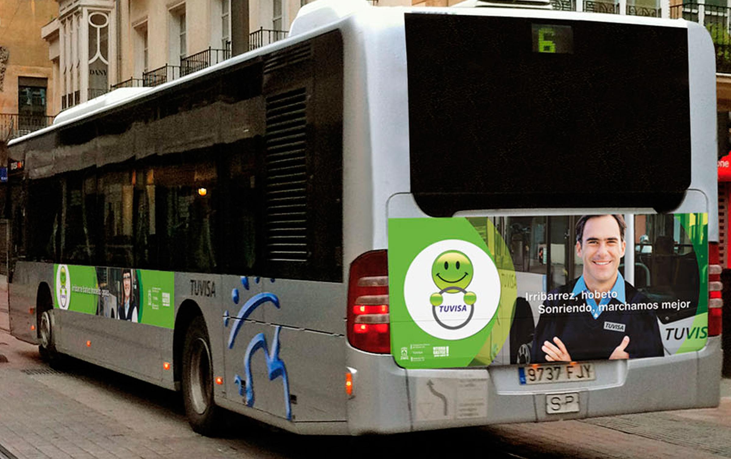 Autobusen kanpoko dekorazioa